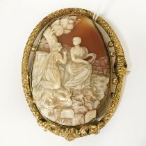 LARGE VICTORIAN CAMEO BROOCH