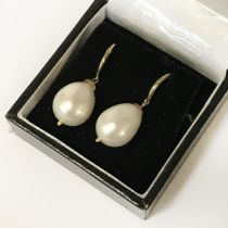 9CT GOLD LARGE SOUTH SEA PEARL EARRING