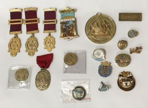 COLLECTION OF VARIOUS MASONIC JEWELS