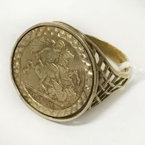 9CT GOLD ST GEORGE COIN RING - SIZE T