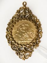 1908 HALF SOVEREIGN IN 9CT GOLD PENDANT MOUNT