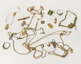 COLLECTION OF MIXED 9CT & 18CT GOLD