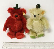 TWO SMALL STEIFF BEARS