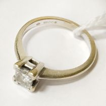 18CT WHITE GOLD SQUARE CUT DIAMOND RING - APPROX 0.55CTS COLOUR I -J CLARITY VS2 - GROSS WEIGHT 3.26