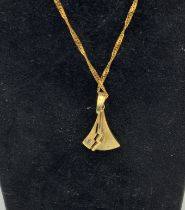 14CT GOLD CHAIN AND A 14CT GOLD & DIAMOND PENDANT
