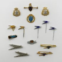 SELECTION OF VARIOUS B.O.A.C. BADGES & PINS INCLUDING FOUR HALLMARKED 9CT GOLD