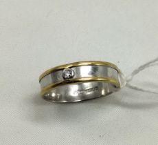 18 CT. GOLD DIAMOND RING - SIZE T