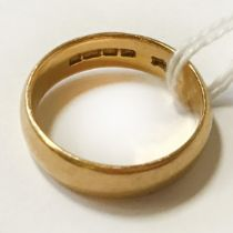 22CT GOLD BAND - RING SIZE L - 6.2 GRAMS