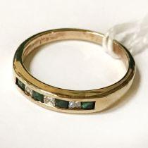 9CT GOLD DIAMOND & EMERALD RING - SIZE M