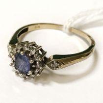 9CT GOLD DIAMOND & TANZANITE RING - SIZE O