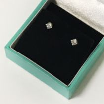 18CT YELLOW GOLD DIAMOND EARRINGS APPX WEIGHT 0.3CT