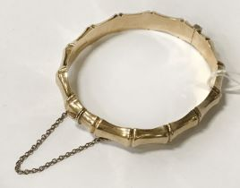 9CT BAMBOO EFFECT CLASP BANGLE 13G