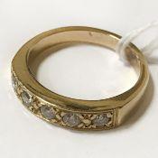 18CT YELLOW GOLD 5 STONE DIAMOND RING - SIZE J
