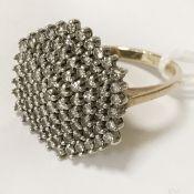 9 CARAT GOLD DIAMOND CLUSTER RING SIZE (M)