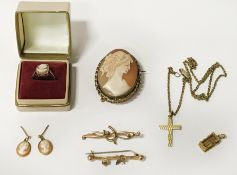 QTY OF 9CT GOLD INCL. CAMEO BROOCH, RING & EARRINGS