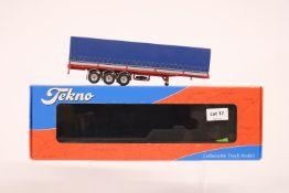Tekno Classic tilt semitrailer - Tekno Basics