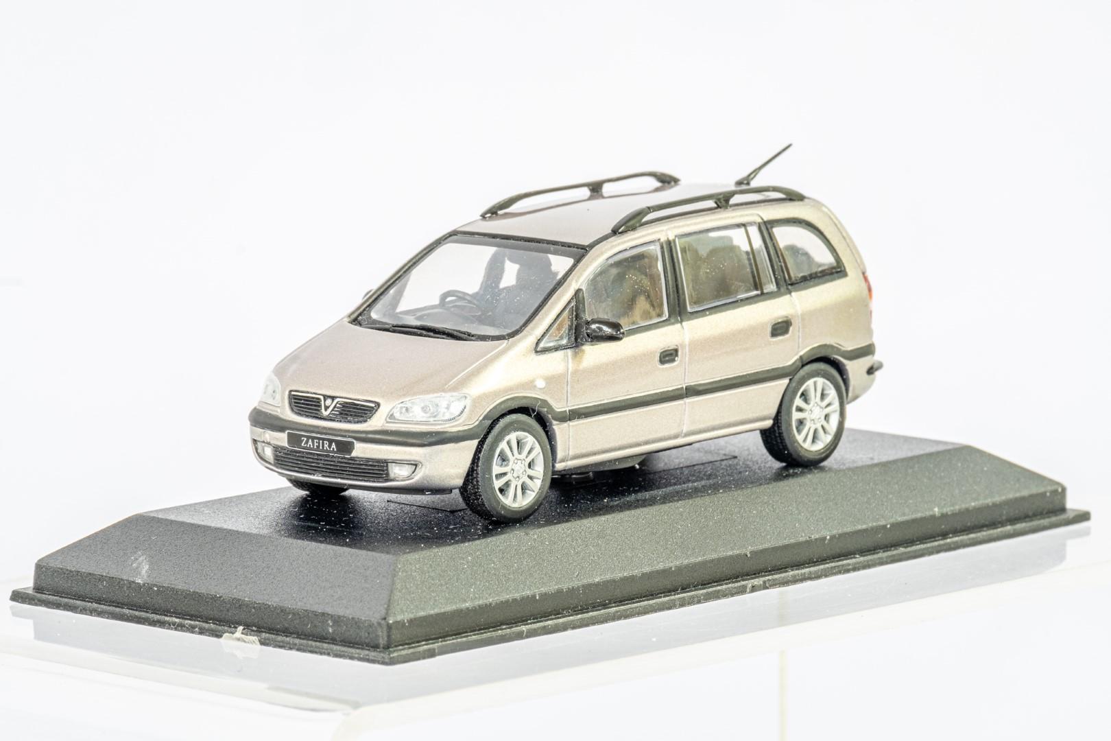 2 x Boxed Car Models - Vauxhall Zafira & Insignia - Image 6 of 7