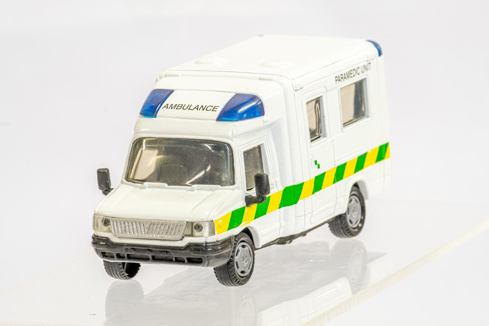 4 x Assorted Ambulance - Image 6 of 9