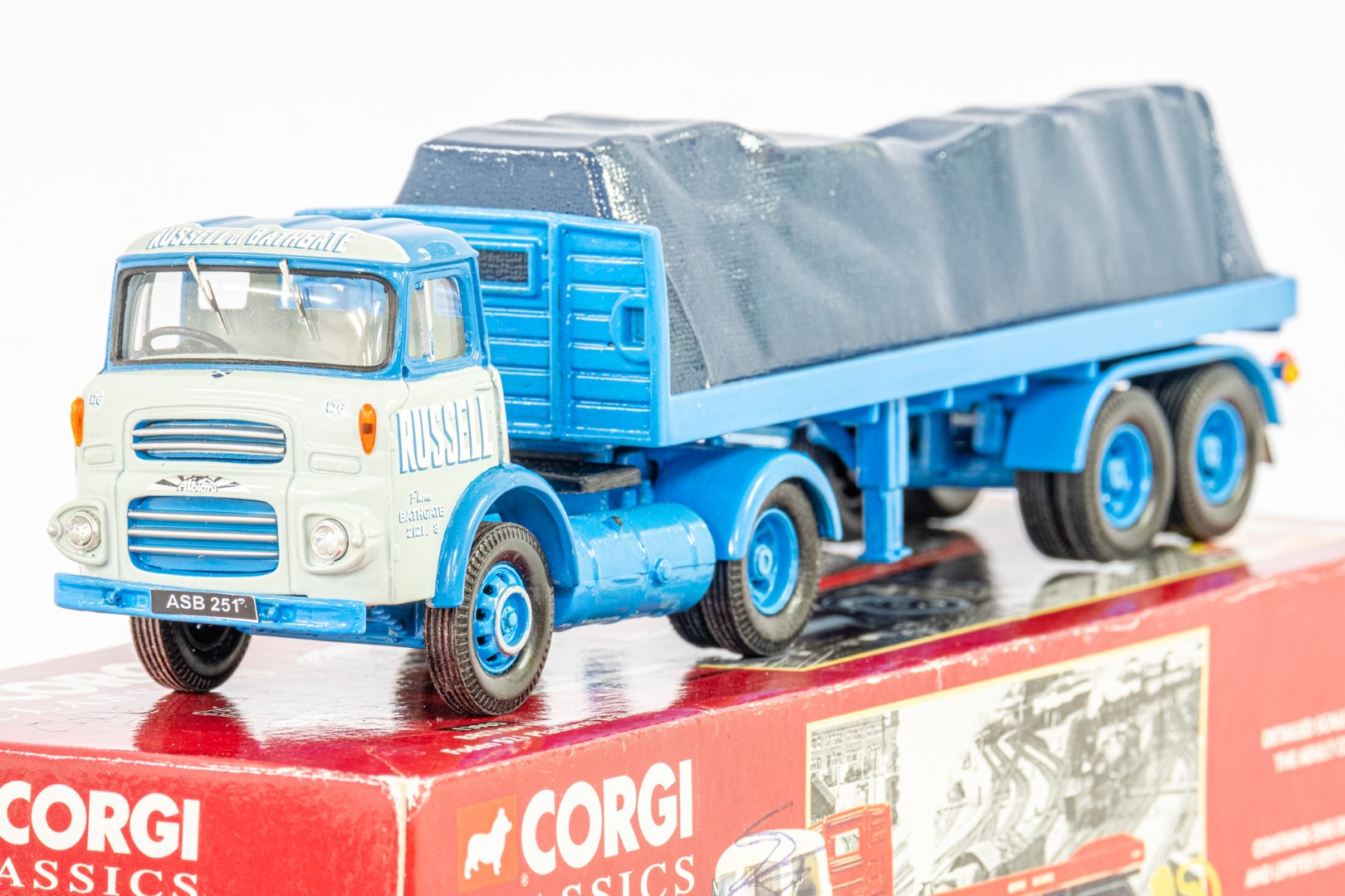 Corgi Esso Tanker Trailer & Albion With Flatbed & Load - Russell - In Wrong Box - Code 3 ? - - Image 4 of 5