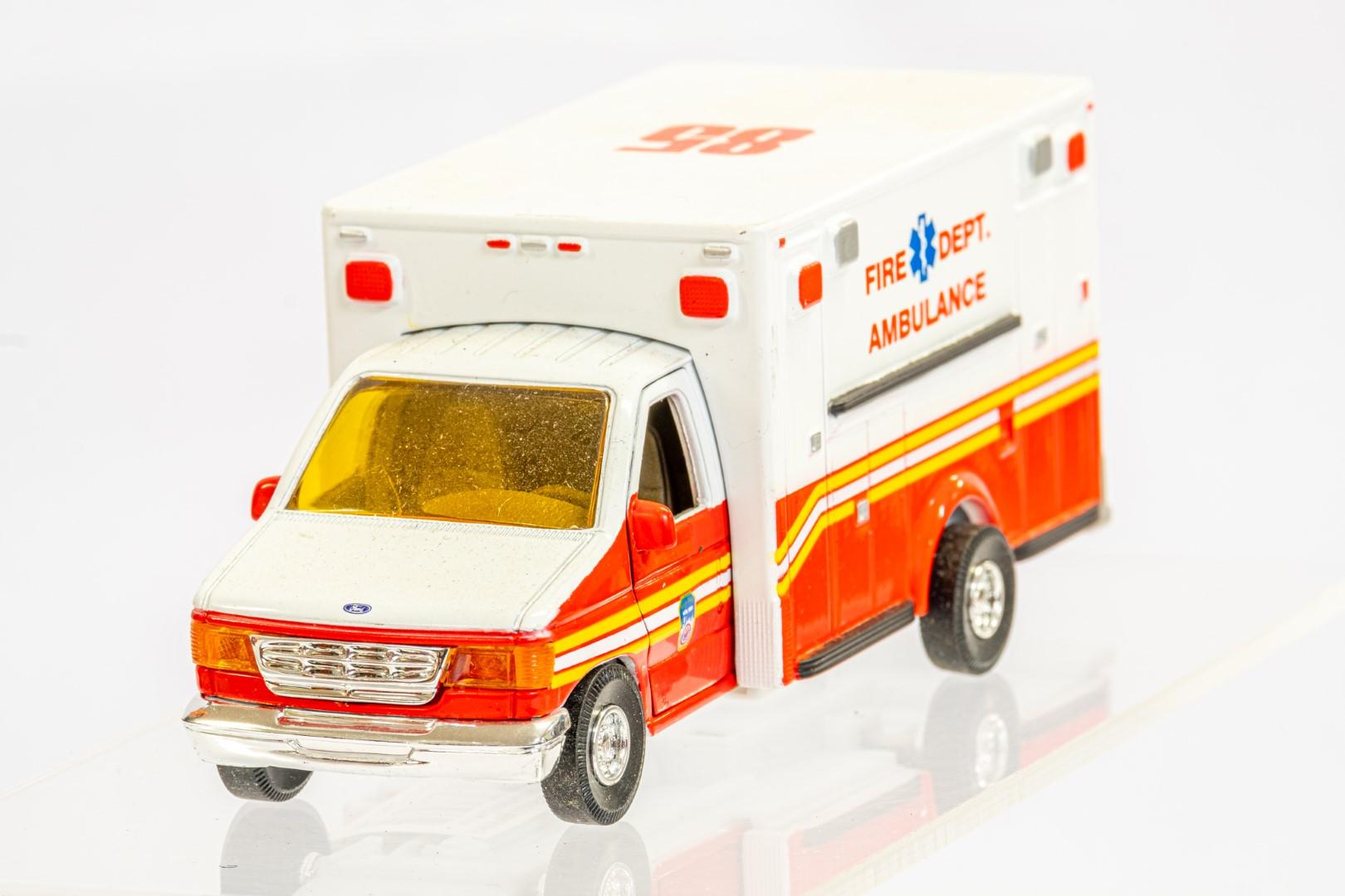 4 x Assorted Ambulance - Image 4 of 9