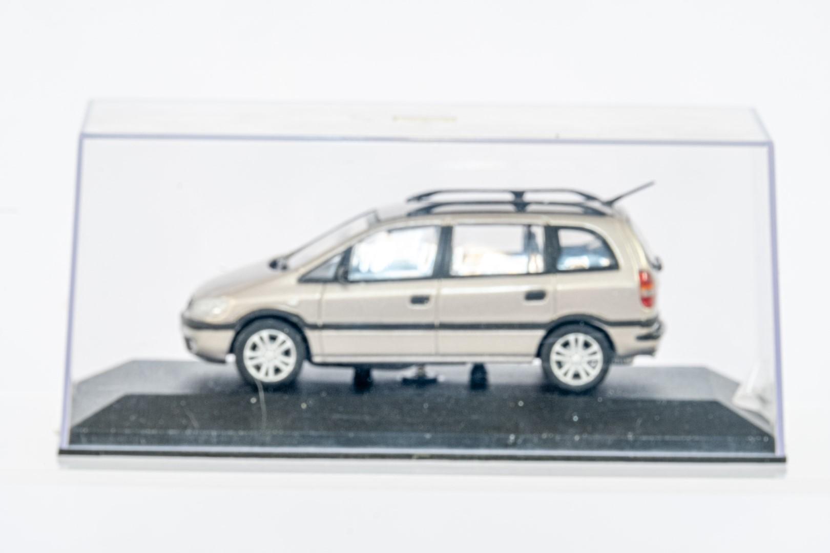 2 x Boxed Car Models - Vauxhall Zafira & Insignia - Image 5 of 7
