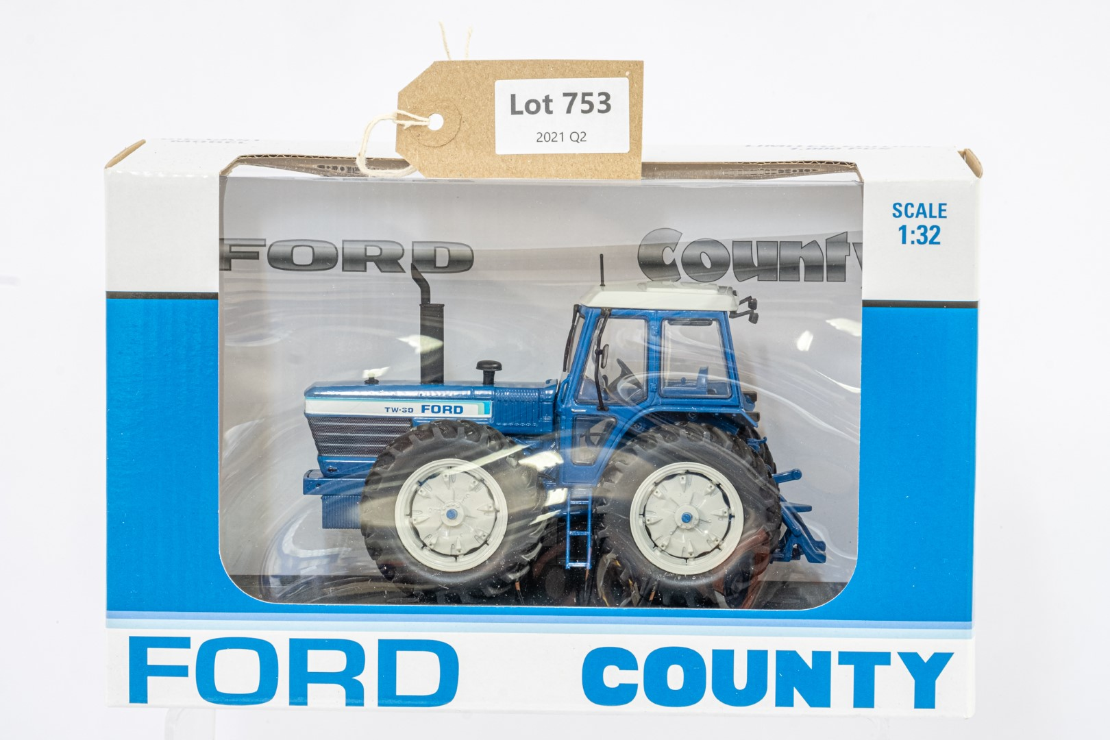 Universal Hobbies Ford TW30 County 1884 Prototype - Mint condition