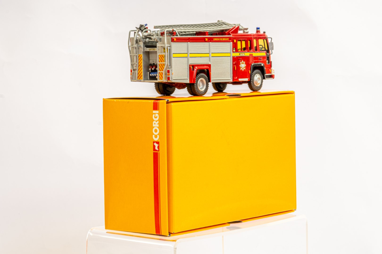 Fire Brigade Models Volvo Fire Engine - Clapham Fire Brigade - In Wrong Box - Image 3 of 7