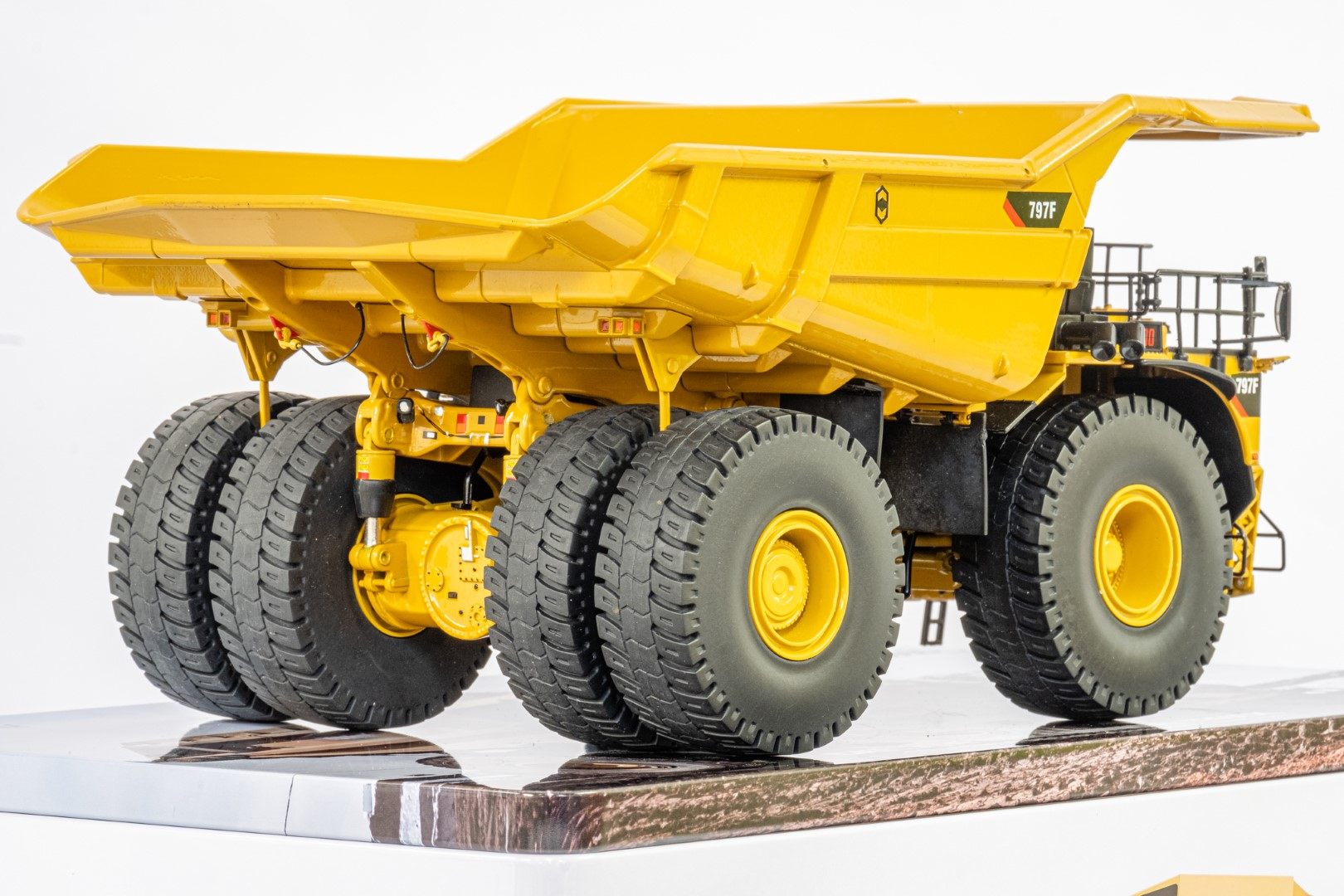 Diecast Masters CAT 797F Tier 4 Mining Truck - Mint condition - Image 5 of 6