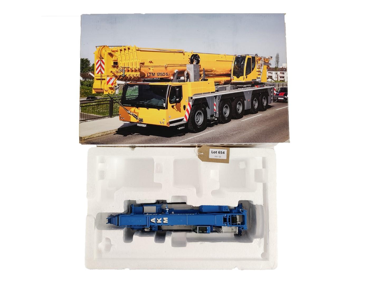 NZG Liebherr LTM1250-5.1 Mobile Crane AKM -