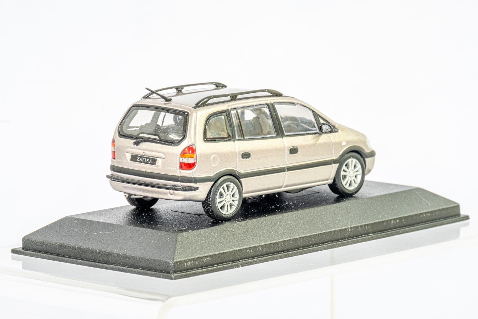 2 x Boxed Car Models - Vauxhall Zafira & Insignia - Image 7 of 7