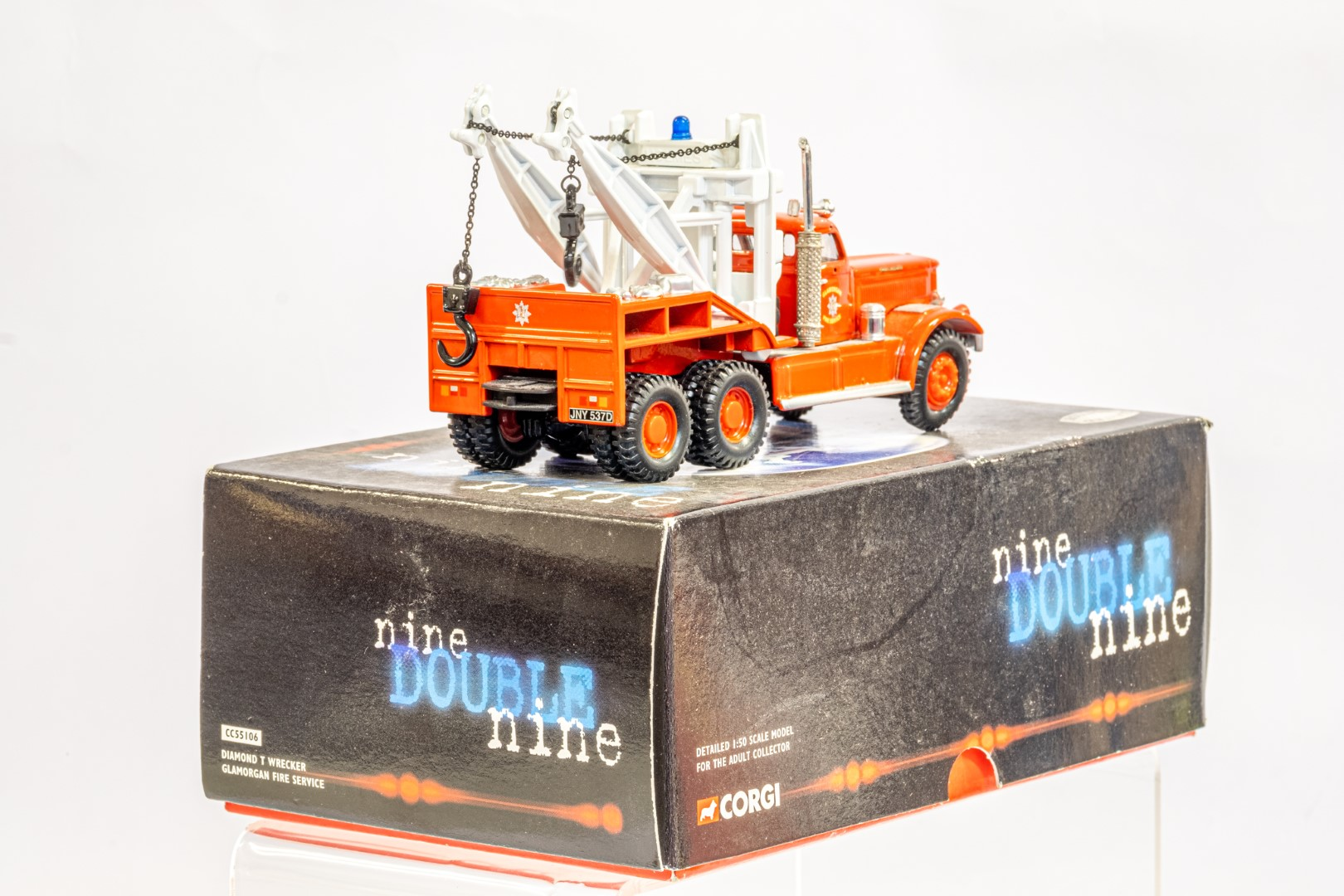 Corgi Diamond T Wrecker - Galmorgan Fire Service - Image 4 of 6