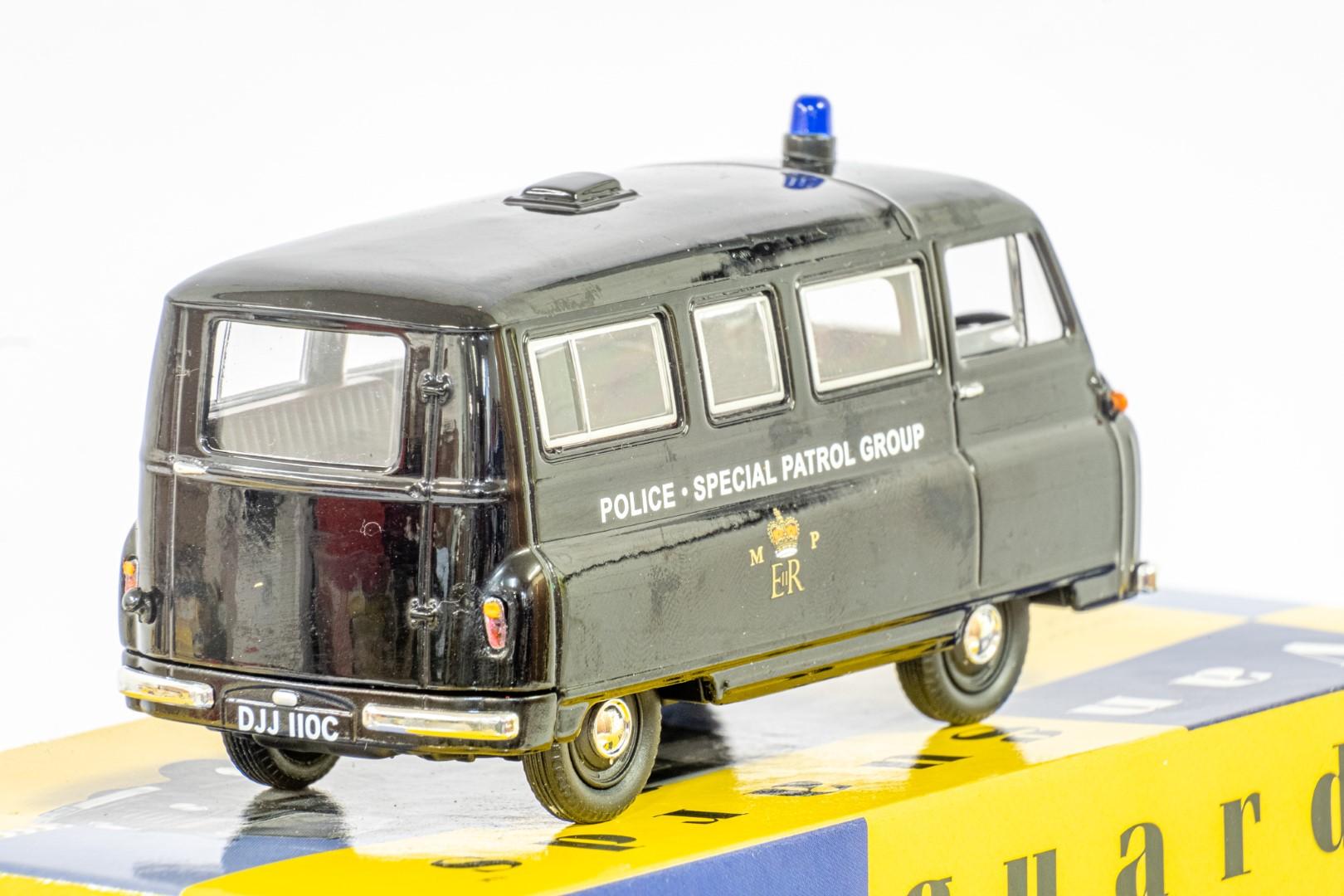 Vanguards Morris J2 Minibus - Metropolitan Police SPG - Image 6 of 6