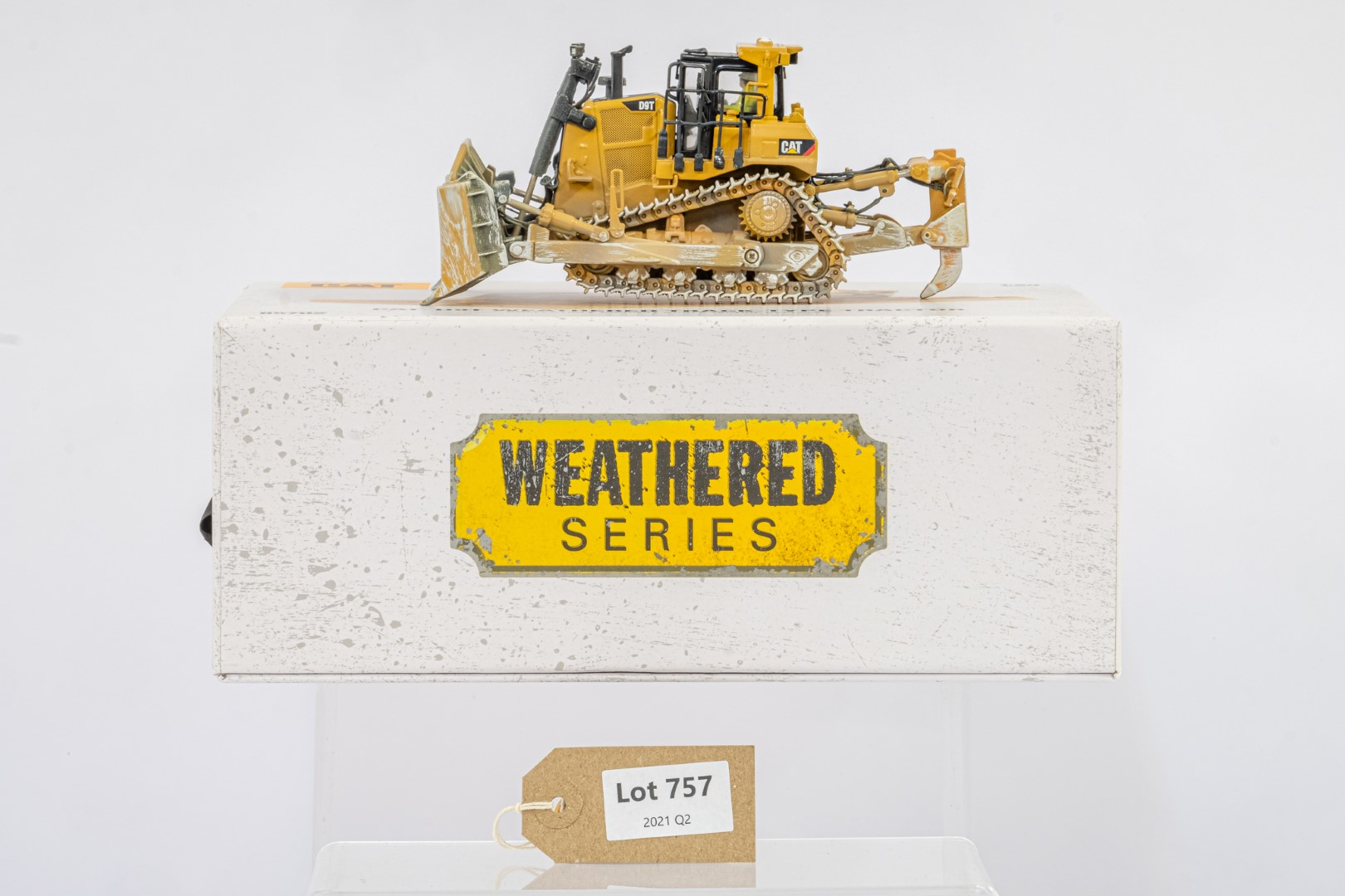 Diecast Masters CAT D9T Weathered Track Type Tractor - Mint condition