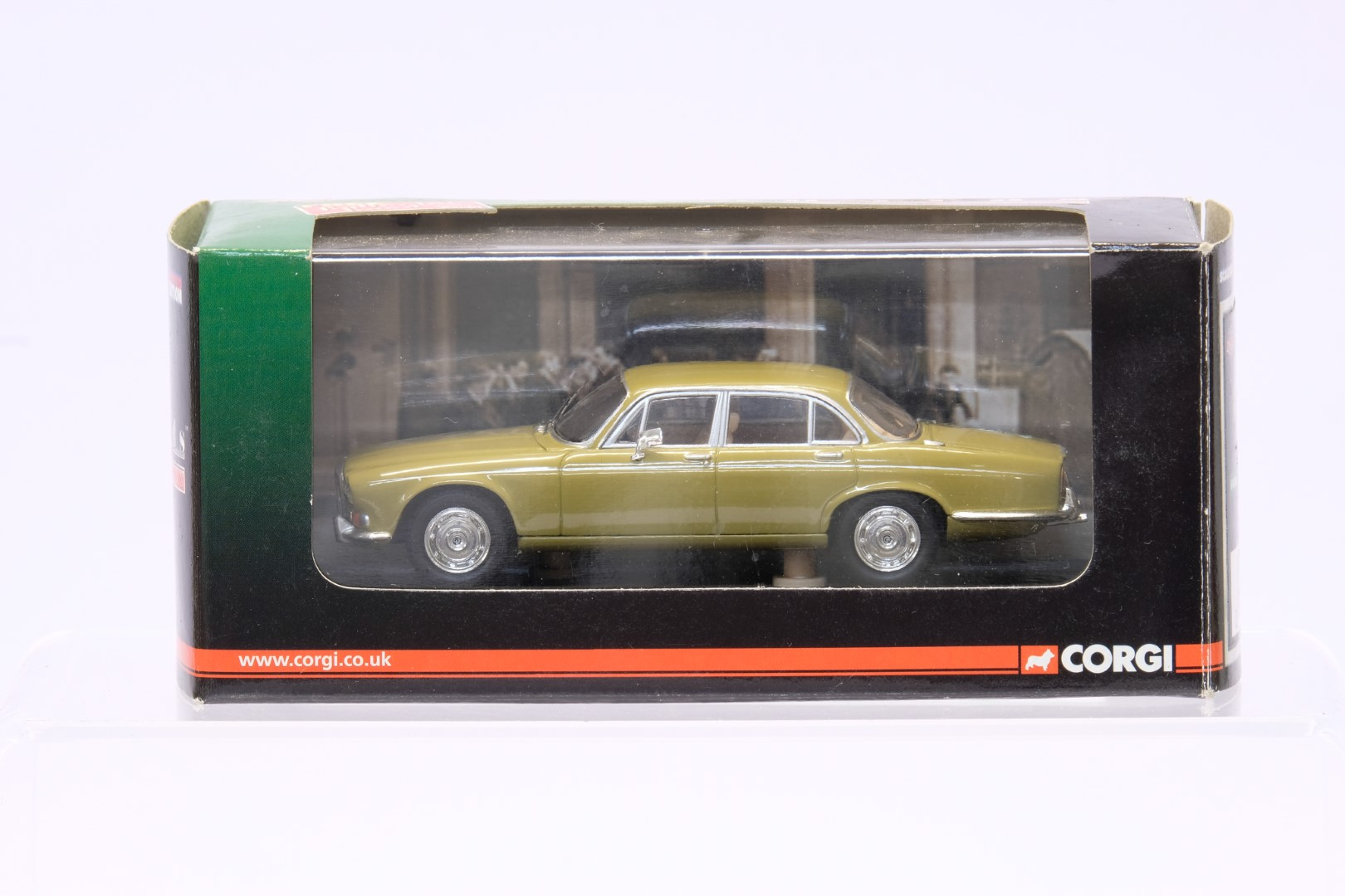 Vanguards 4 Boxed Car Models - Image 2 of 5