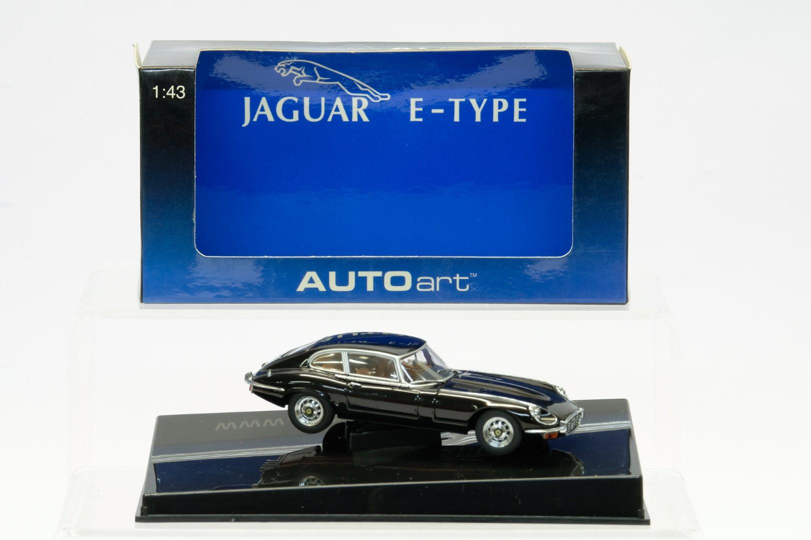 Autoart Jaguar - E-Type V12 Coupe Series III 1971 - Image 2 of 3