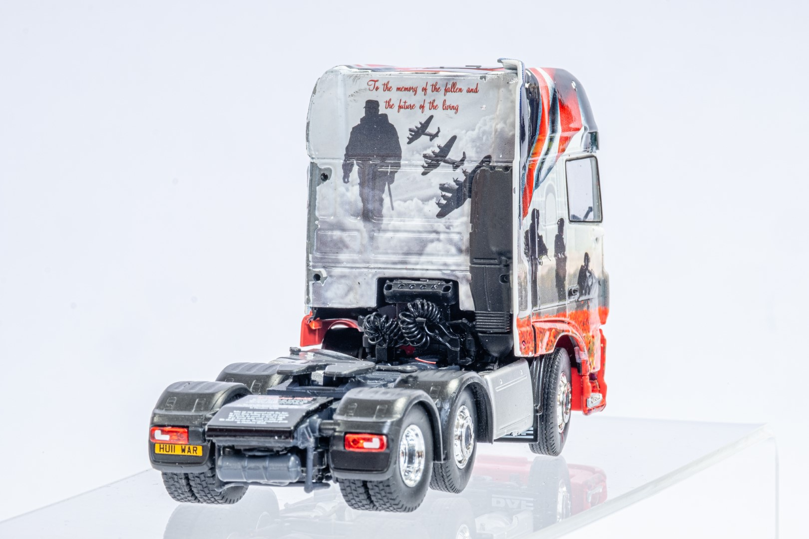 Tekno The Poppy Truck - DAF Tractor Unit In Gift Box - Image 6 of 9