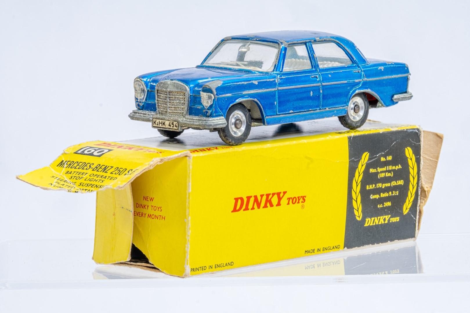 Dinky Mercedes Benz 250 S.E. - Original Box - Image 2 of 7