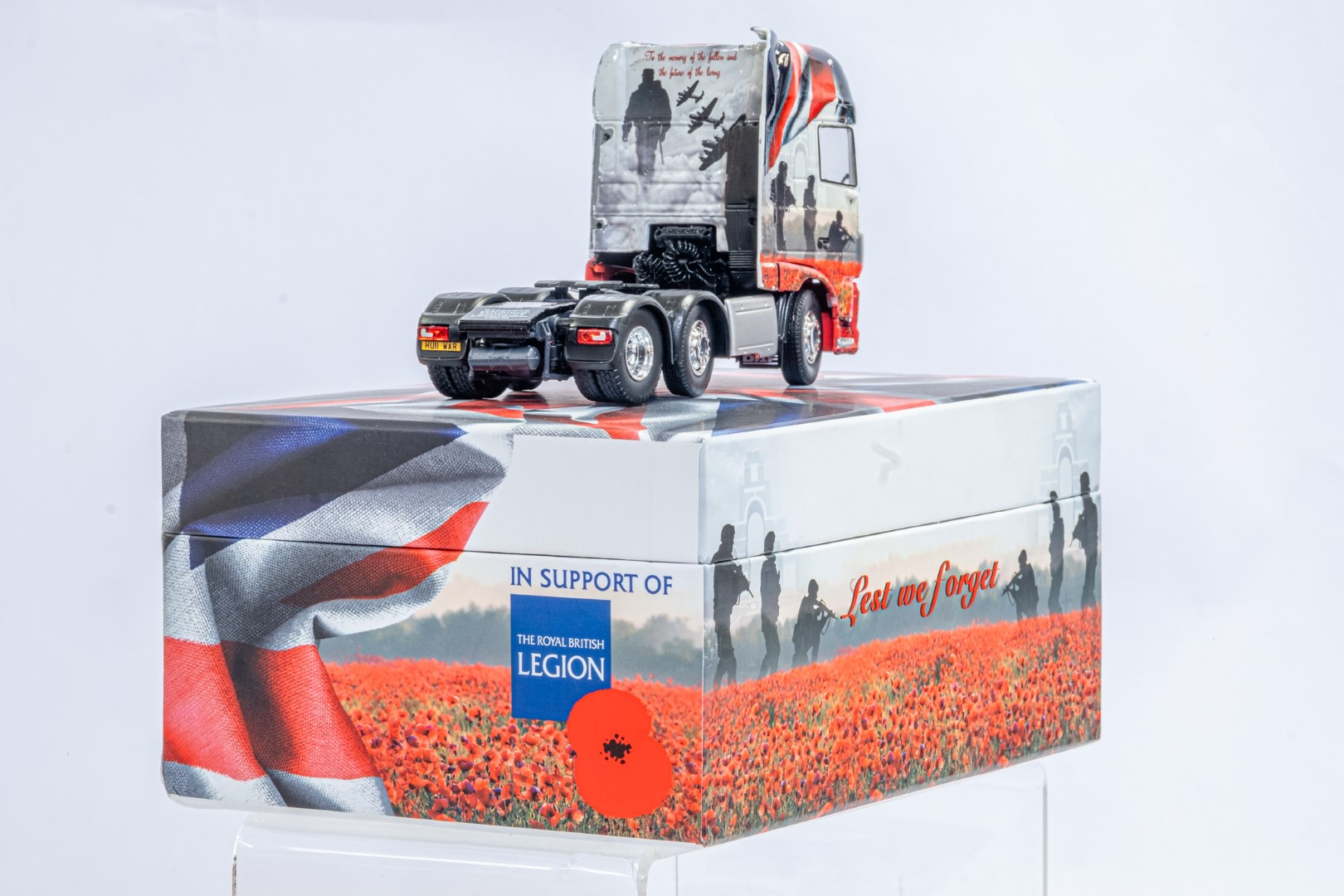 Tekno The Poppy Truck - DAF Tractor Unit In Gift Box - Image 3 of 9