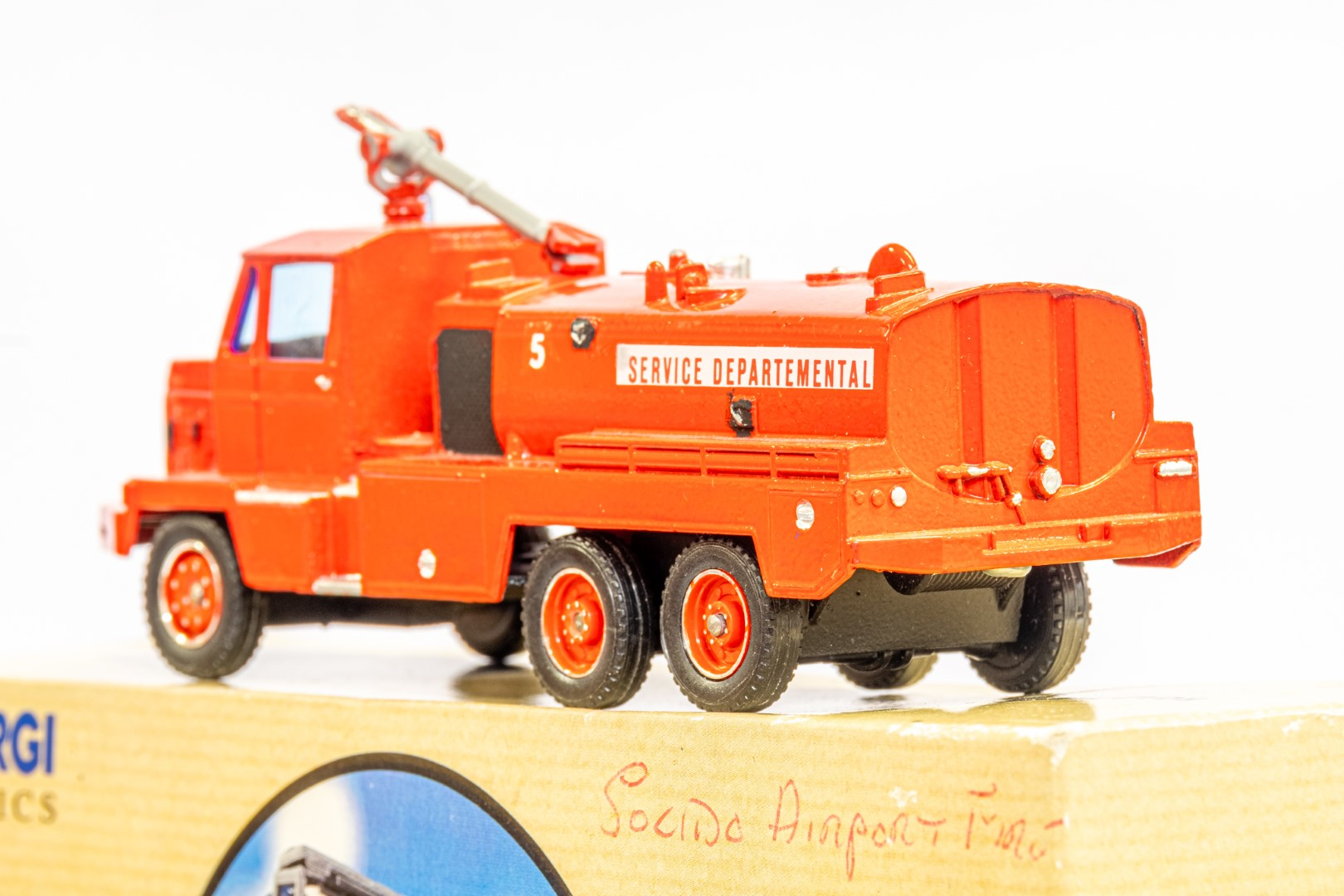 Solido Berliet GBC34 Camiva - Airport Fire - In Wrong Box - Image 5 of 7