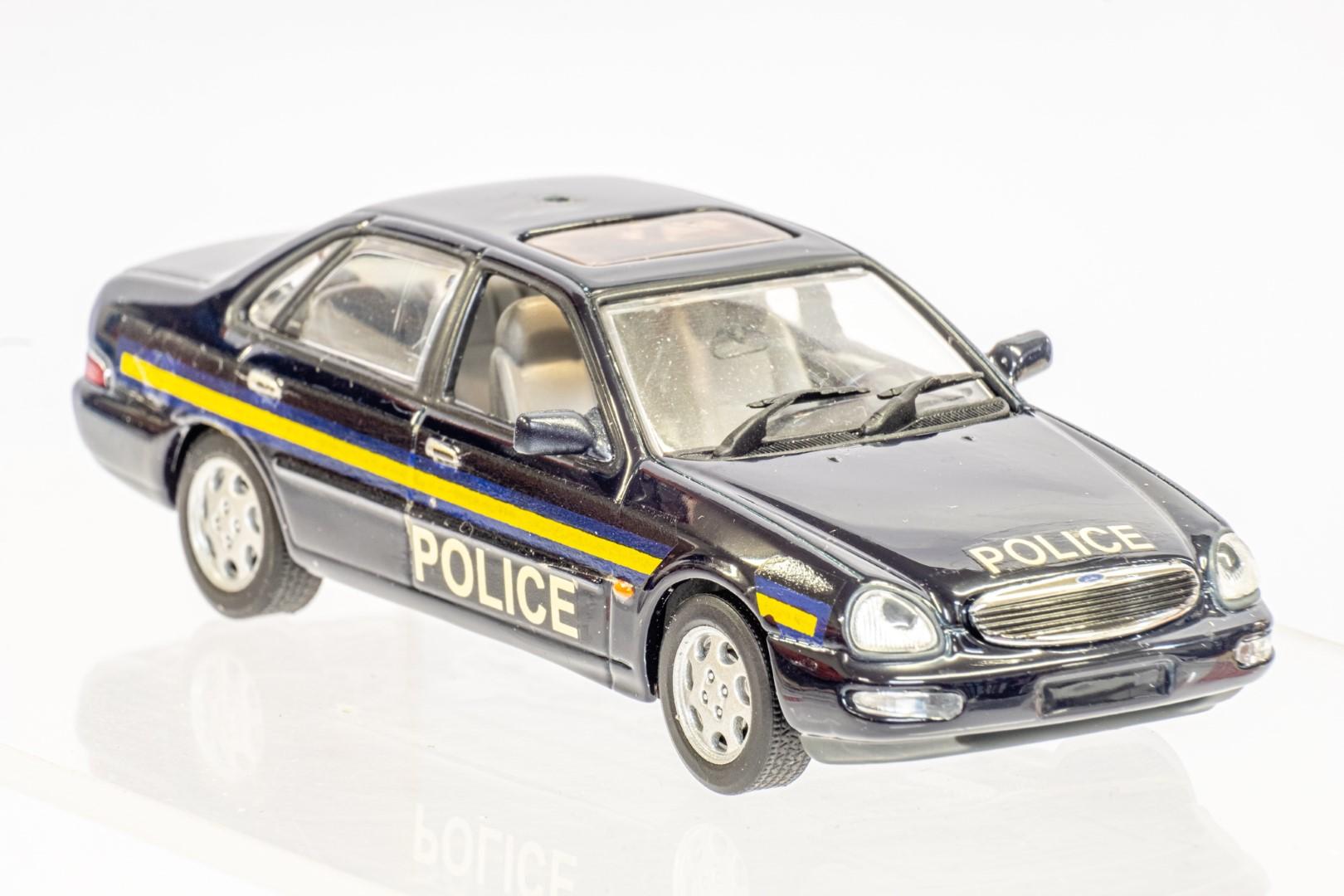 Automax Ford Granada - Police - Code 3 - Image 7 of 7