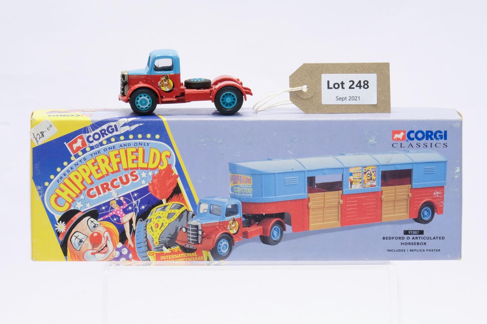 Corgi Bedford O Articulated Horsebox - Chipperfield's Circus - No Trailer