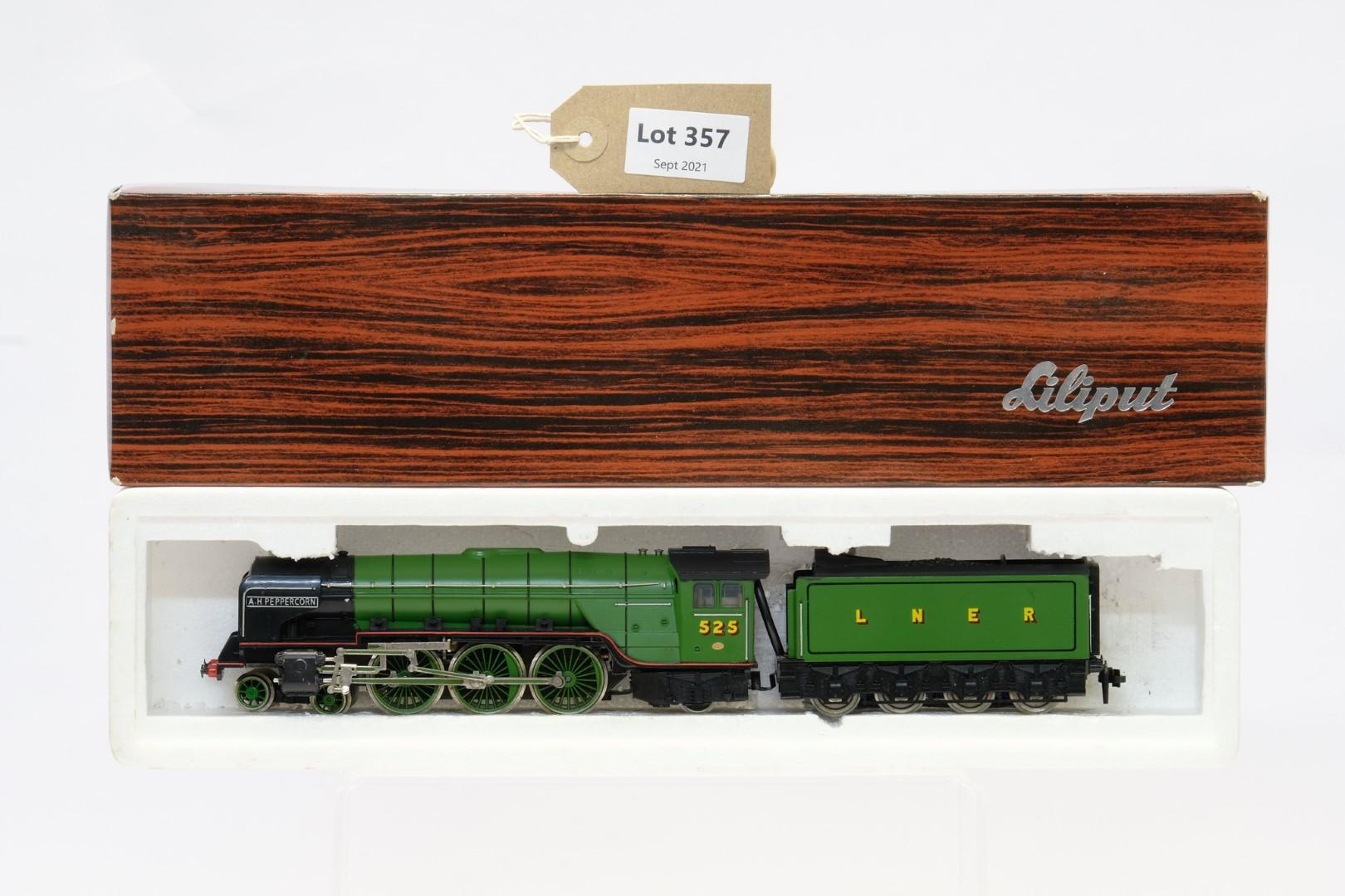 Bachmann 31-525 Class A2 '525 A. H. Peppercorn' LNER Apple Green