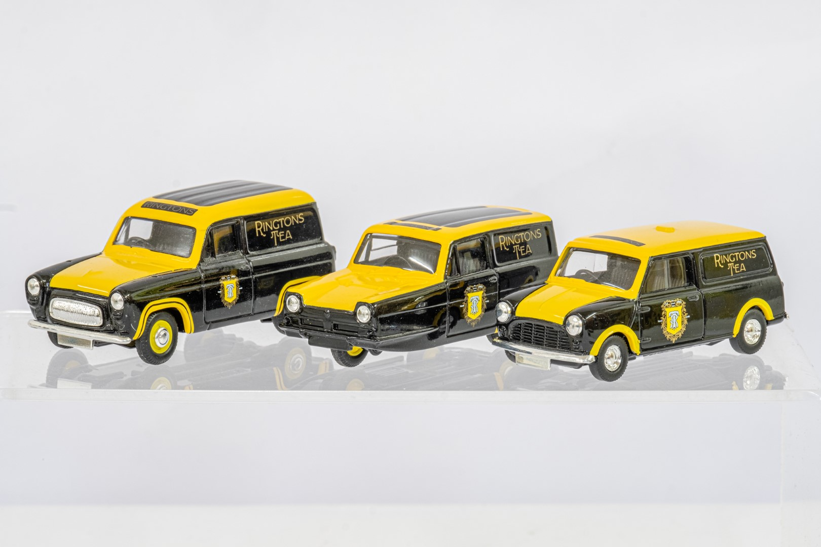 Lledo Ringtons Set & Vauxhall Brava AA - Image 4 of 4