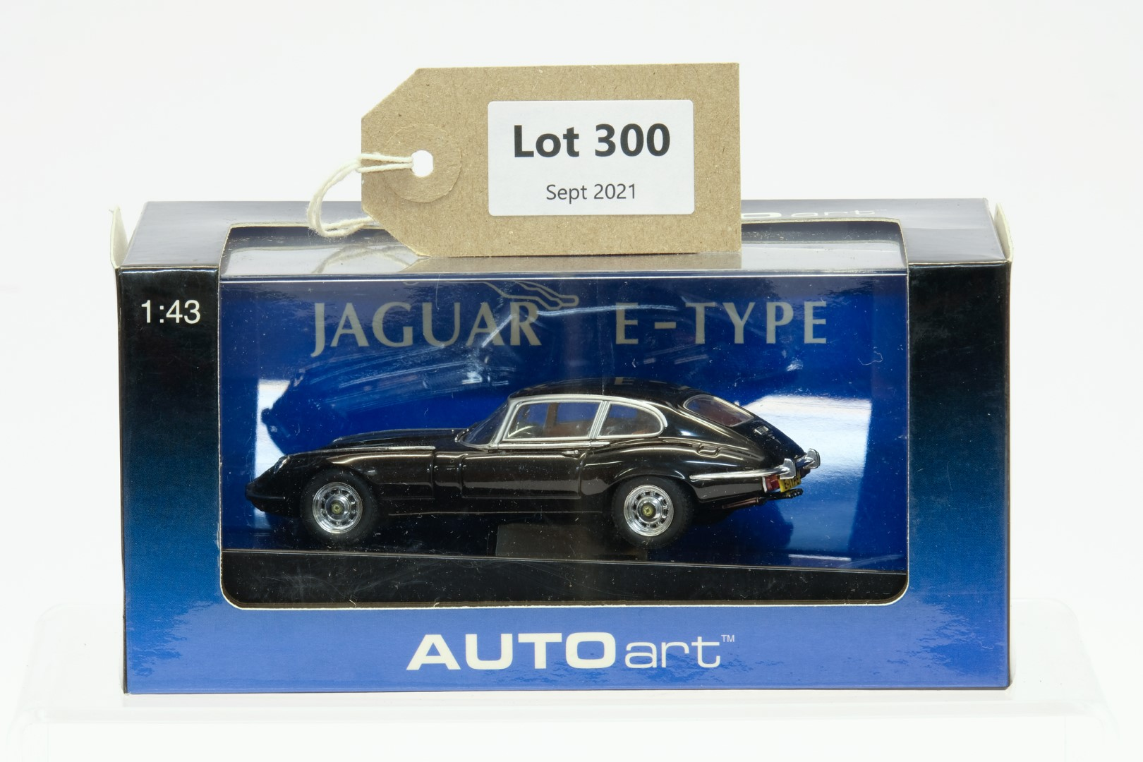 Autoart Jaguar - E-Type V12 Coupe Series III 1971