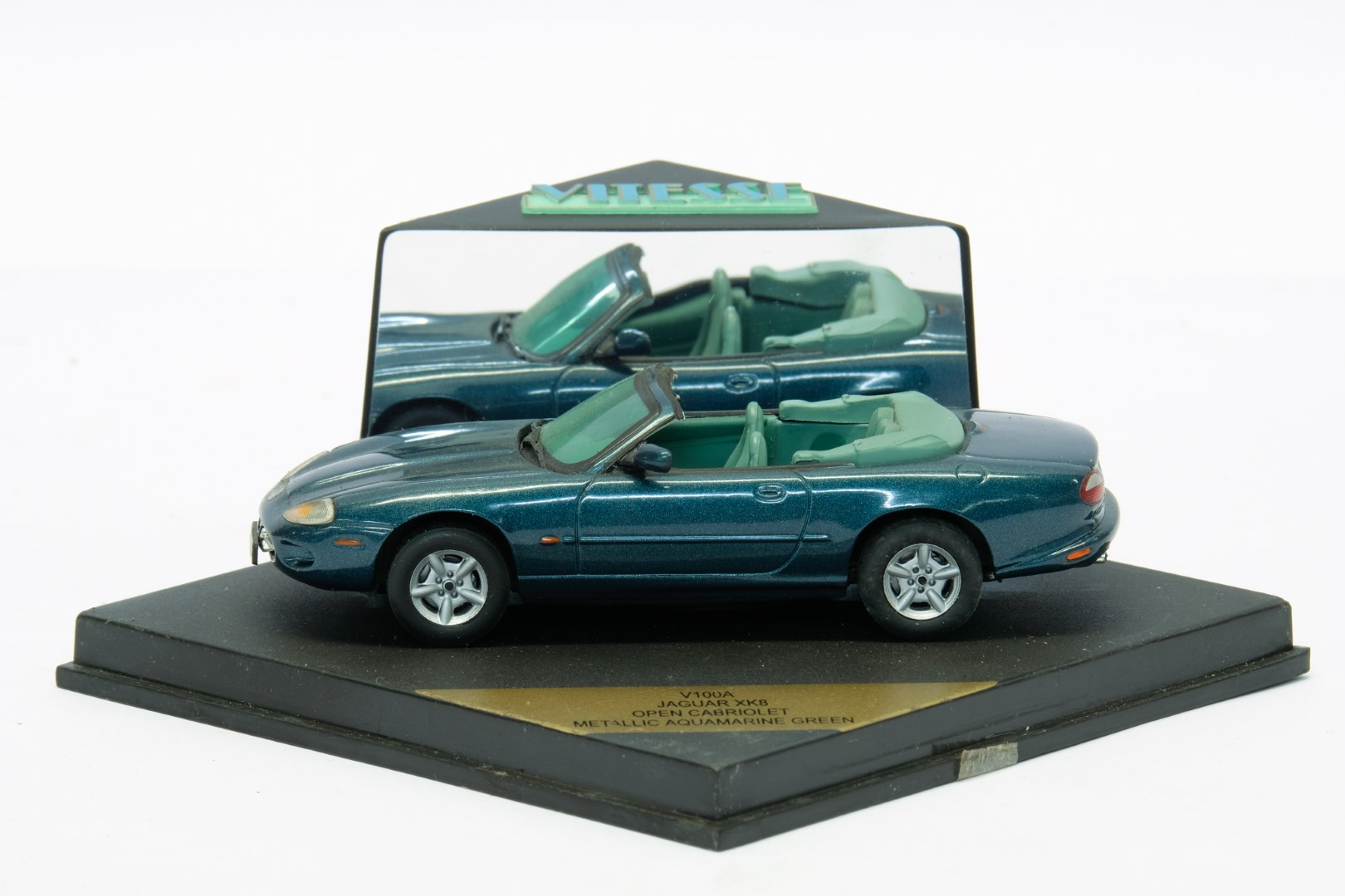 Vitesse 2 Jaguar XK8 Models - Image 2 of 3