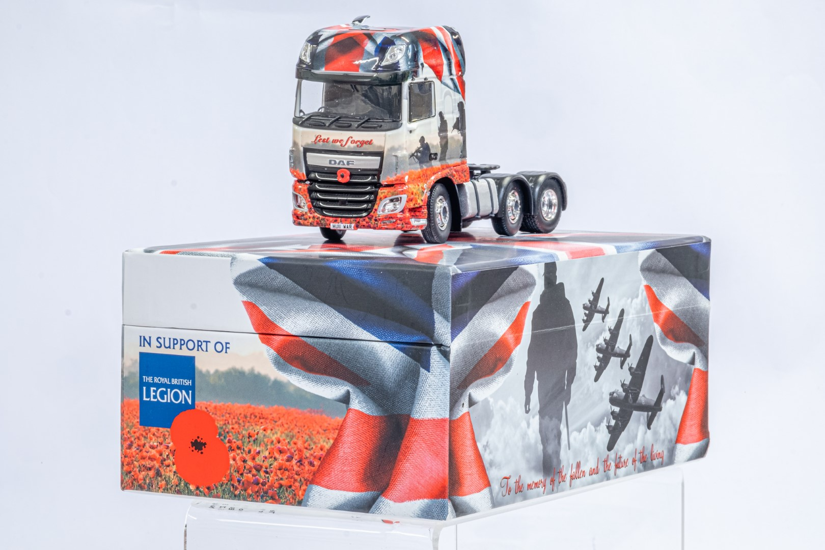 Tekno The Poppy Truck - DAF Tractor Unit In Gift Box - Image 2 of 9
