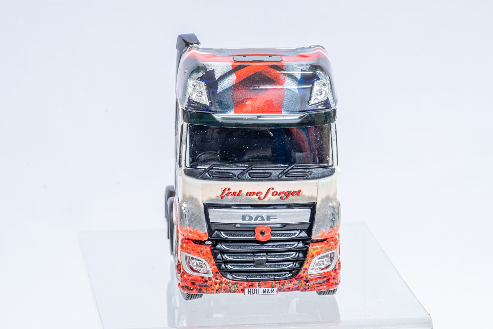 Tekno The Poppy Truck - DAF Tractor Unit In Gift Box - Image 9 of 9