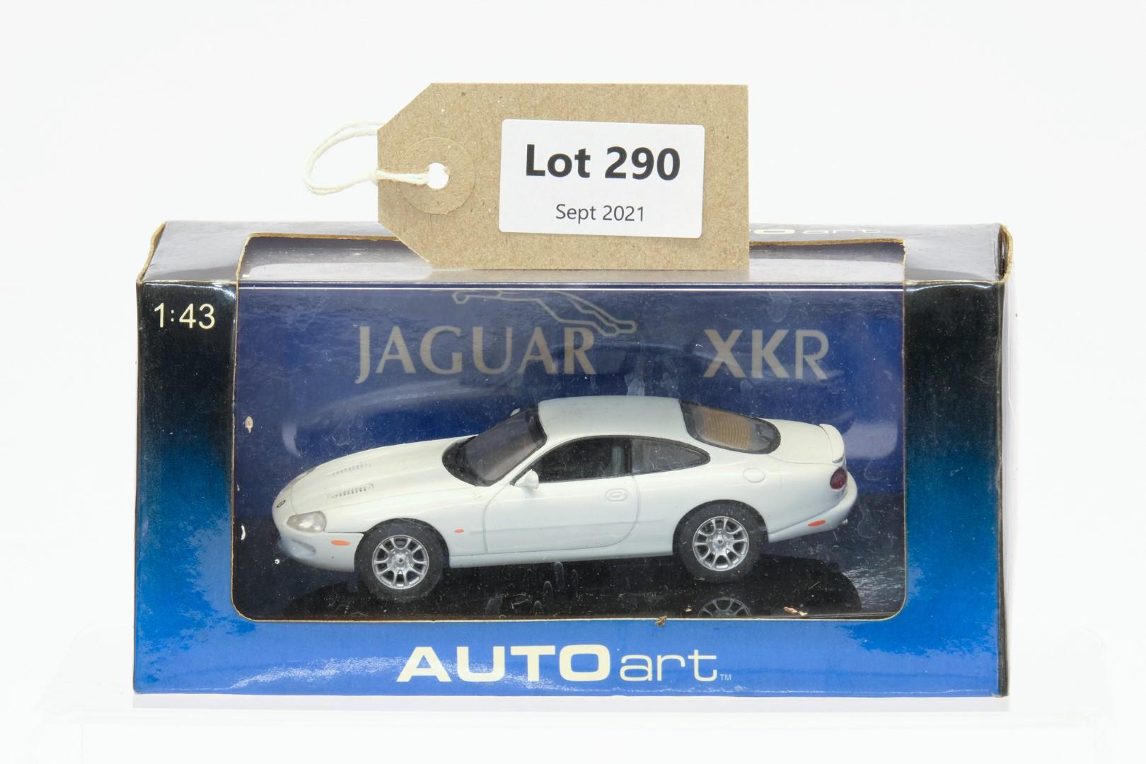 Autoart Jaguar XKR Coupe White