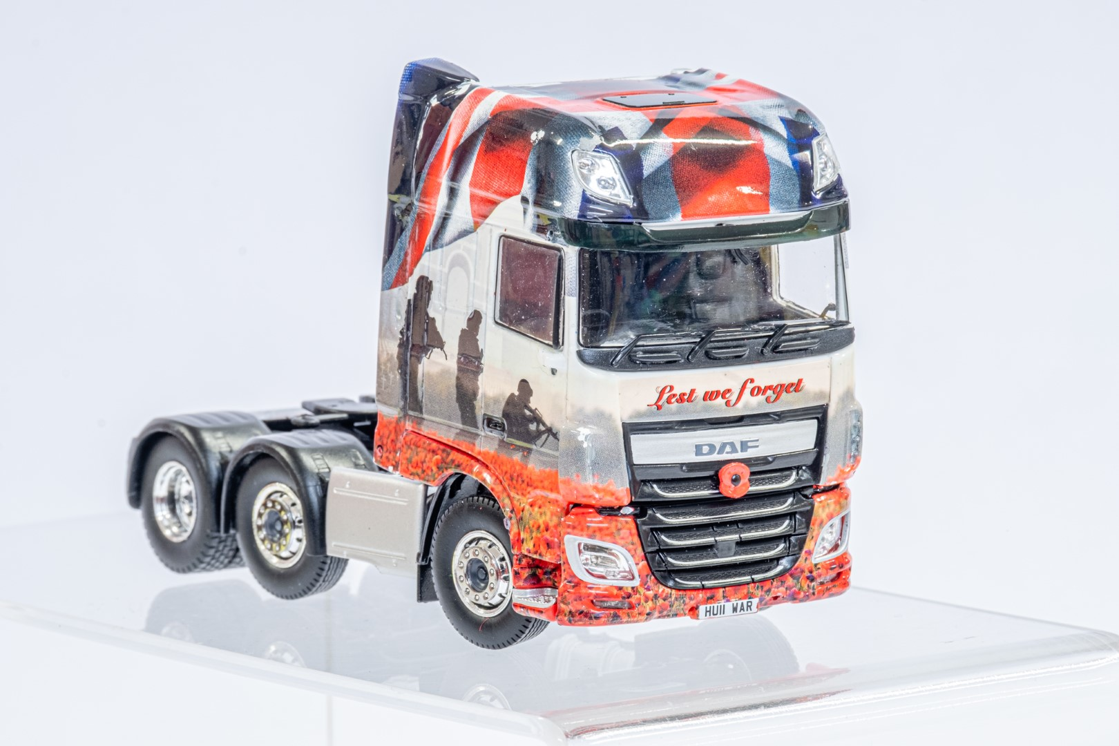 Tekno The Poppy Truck - DAF Tractor Unit In Gift Box - Image 8 of 9