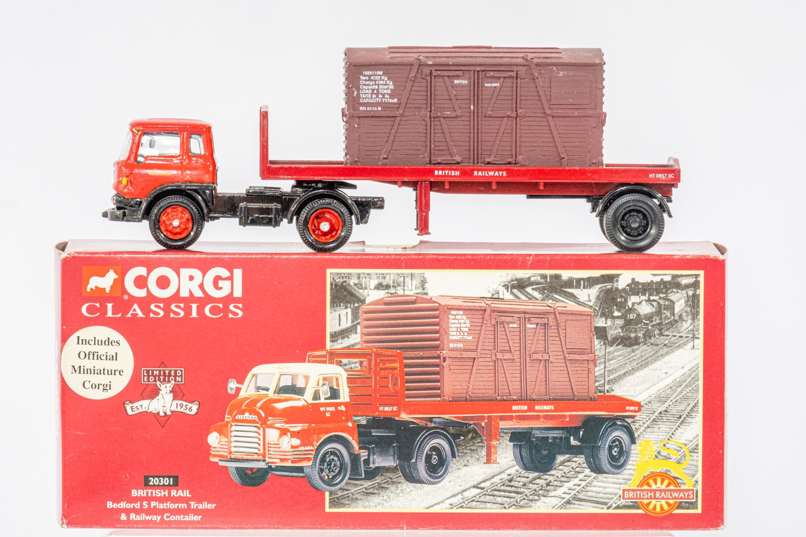 Corgi Bedford S Platform Trailer & Railway Contailer - British Rail / Plaxton Paramount - Shearings - Image 2 of 4
